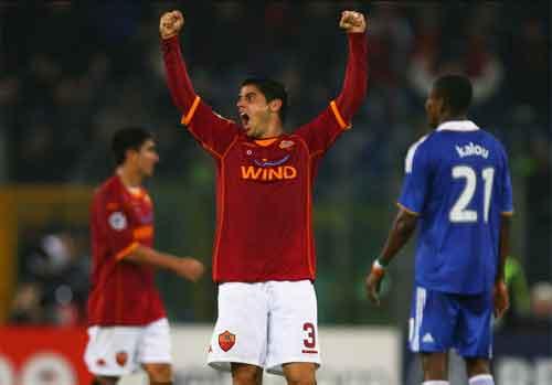 Roma Membantai Chelsea 3-1